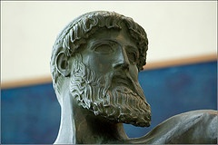 Statue de Zeus http://www.flickr.com/photos/28998362@N00/46684409