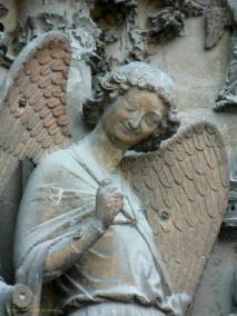 ange souriant