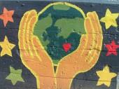 main-terre-coeur