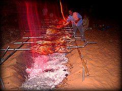 Image: 'mechoui sur une dune dans le desert+timimoun' http://www.flickr.com/photos/16203714@N06/2398331143
