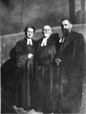 Pasteurs Durand, grand-père, fils et petite-fille